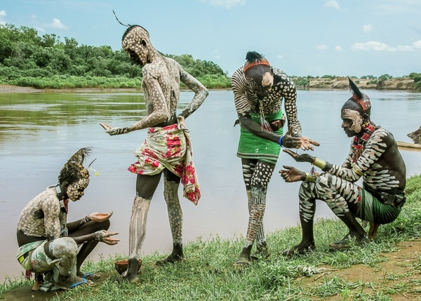 Kara Men body painting by Omo River, Ethiopia by Carol Beckwith and Angela Fisher