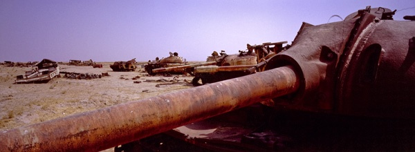 "Iraqi tanks near the ""Highway of Death"" by James Longley"